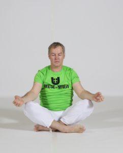 Trainer_Heinrich-Mayr_Bewegt-im-Park