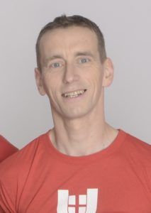 Trainer_Wolfgang-Schmoelzer_Bewegt-im-Park