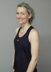 Trainerin_Simona-Thury-Hoffmann_Bewegt-im-Park
